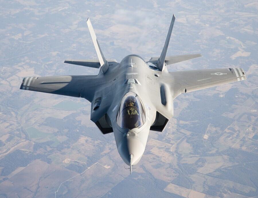 Перспективный сверхзвуковой истребитель F-35 -пятого поколения - новое детище Lockhead Martin