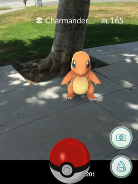 Pokemon GO работает с технологией дополненной реальности. Игра доступна для Android и iOS устройств