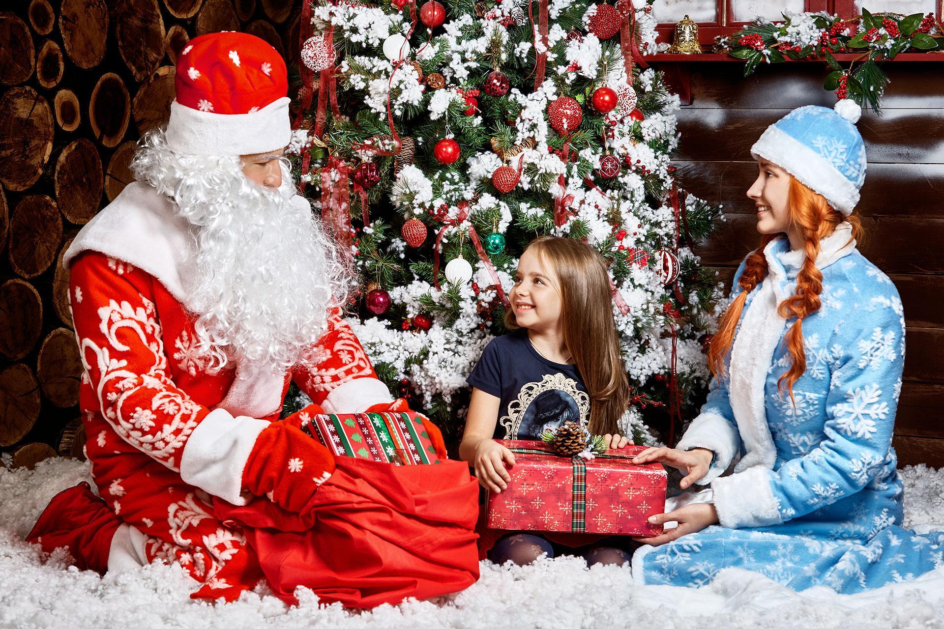 Каждый третий россиянин хотя бы раз примерял костюм деда мороза. Только детям этого не говорите ;-)