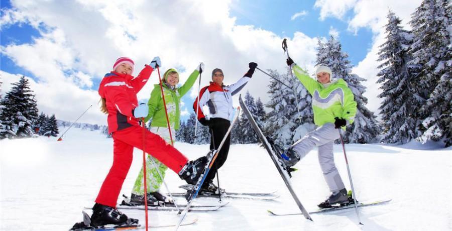 Миллионы людей встают на лыжи и коньки в каждые новогодние праздники