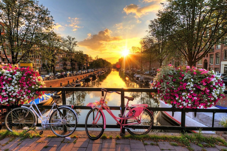 Амстердам - комфортный и необычайно красивый город